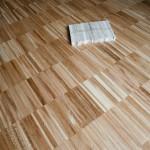 Pokládka dřevěné podlahy: průmyslová mozaika