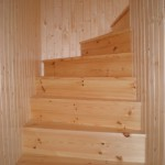 Dřevěné schodiště - borovice severská
